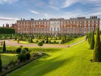 Passeio pelo palácio de Hampton Court