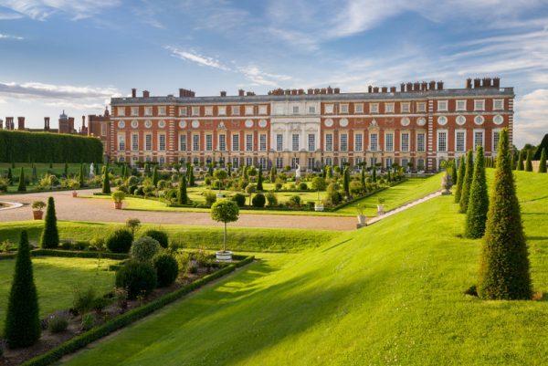 Passeio pelo palácio Hampton Court